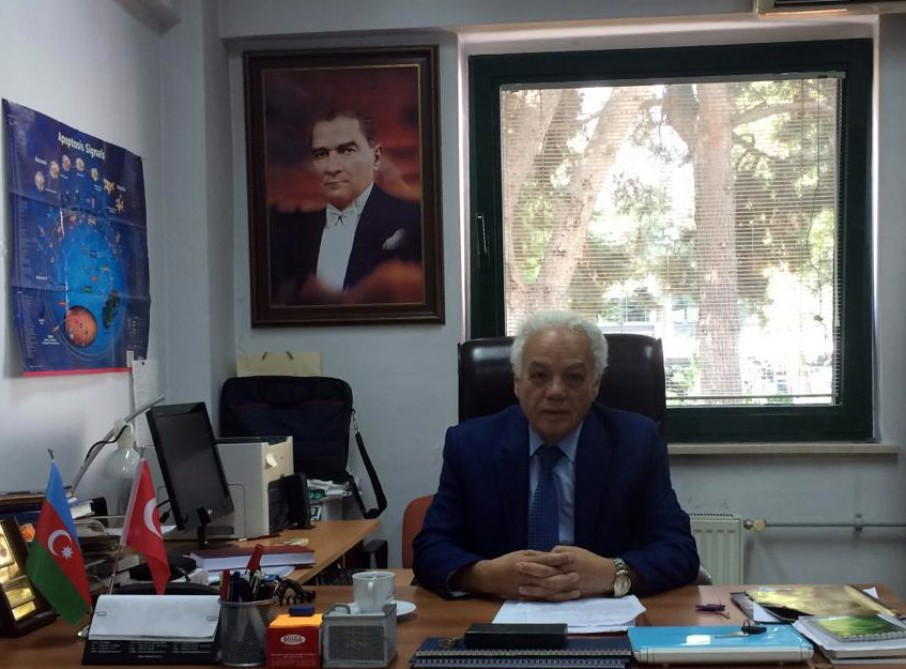 """Türkiyənin azərbaycanlı alimi: """"Koronavirusa qarşı bir neçə vaksin hazırlanıb"""""""