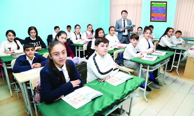 """""""Müəllim şagirdə təkcə fənnini yox, həyatı öyrətməlidir"""""""