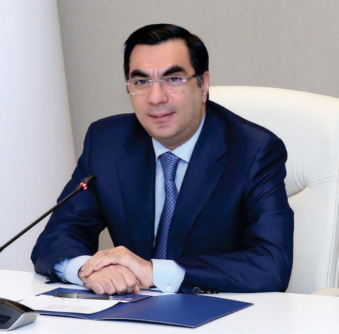 """Rektor Elmar Qasımov: """"Yay Məktəbləri bu il universitetlərin hesabına təşkil olunsun"""""""