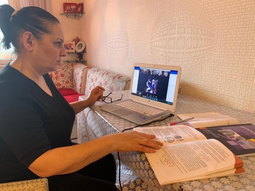 Nərgiz İbrahimova: Məqsədimiz şagirdlərimizin dərs proqramından geri qalmamasını təmin etməkdir
