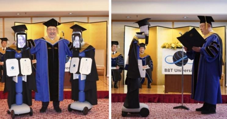 Diplomları tələbələr əvəzinə robotlar aldı