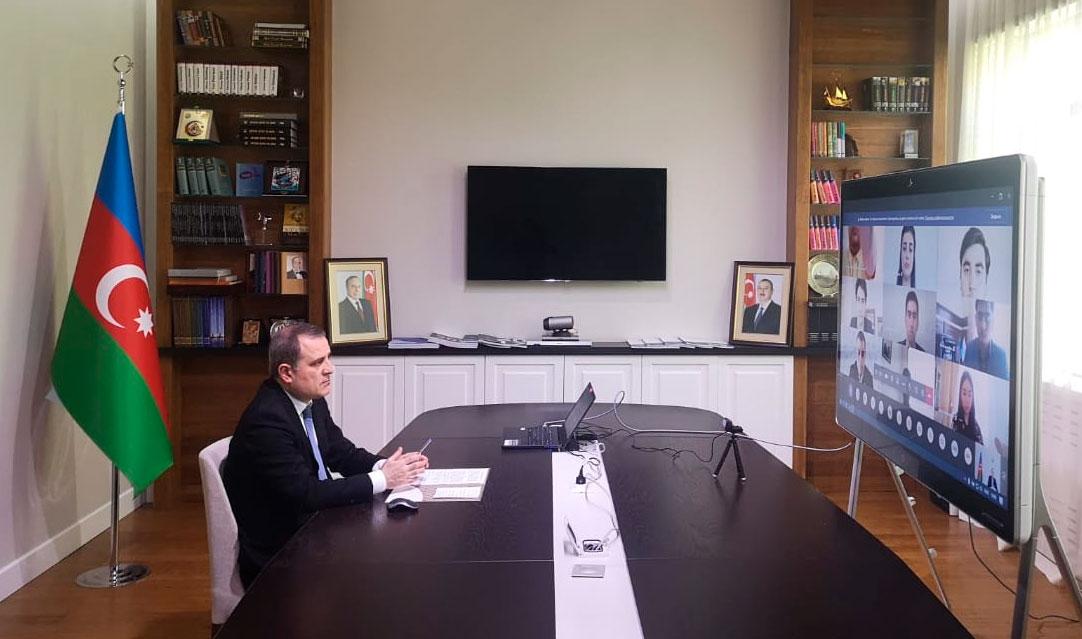 Ceyhun Bayramov imtahanlarla bağlı sualları cavablandırdı