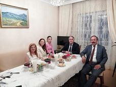 Qənirə Paşayeva Azərbaycan Xalq Cümhuriyyəti liderinin nəvəsi ilə görüşüb