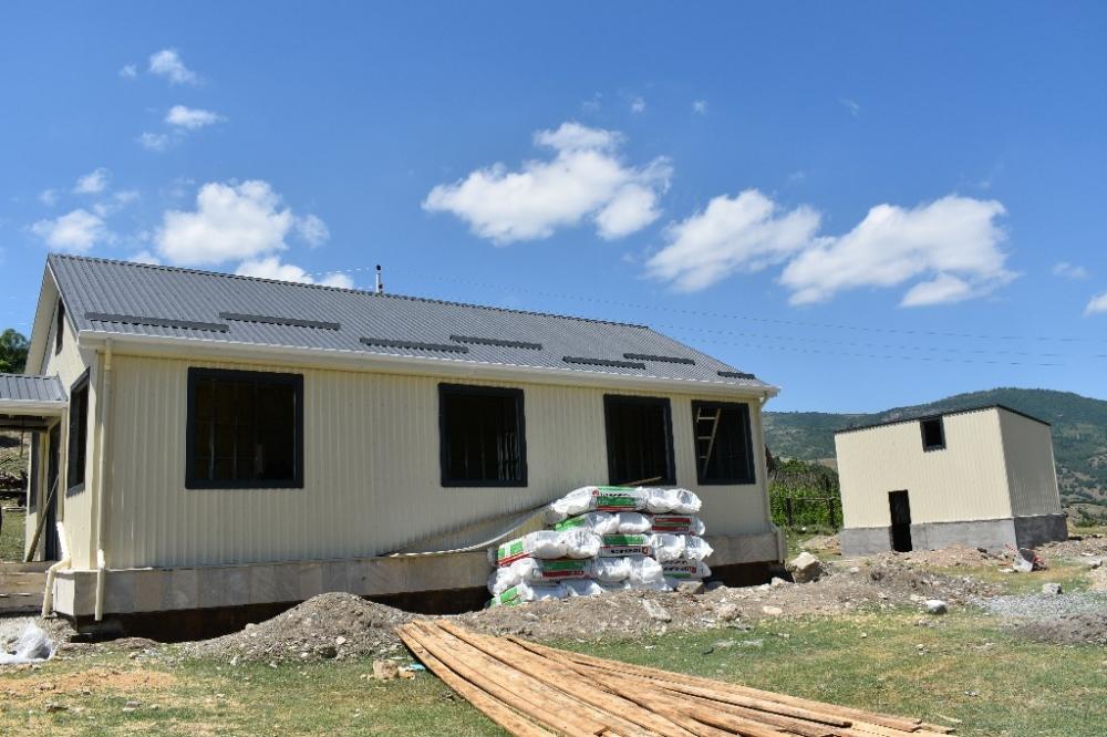 Qubanın səkkiz ucqar kəndində modul tipli məktəb binaları quraşdırılır