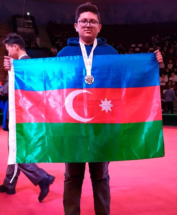 Azərbaycan məktəbliləri beynəlxalq olimpiadalarda medal qazandılar - FOTOLAR