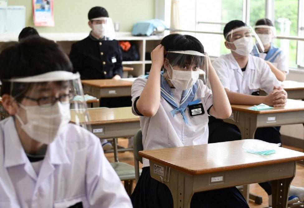 Yaponiyada ibtidai məktəbdə koronavirusa kütləvi yoluxma qeydə alınıb
