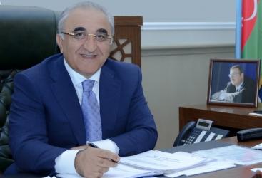 UNEC-in rektoru universitetin məzunlarına müraciət ünvanlayıb