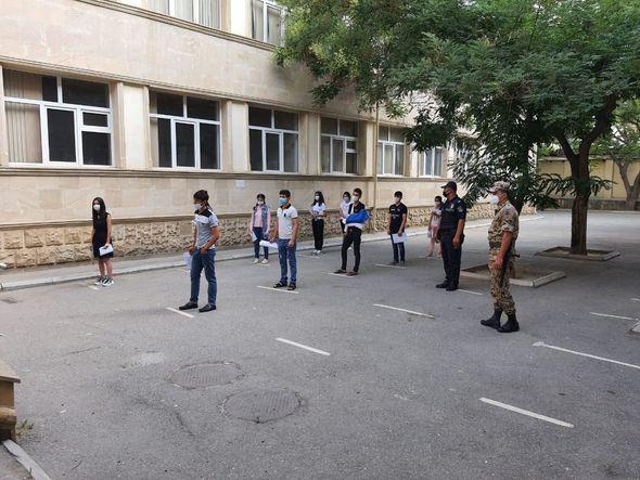 BŞBPİ: İmtahanlarda sosial məsafənin qorunması və tibbi maskadan istifadəyə nəzarət olunur