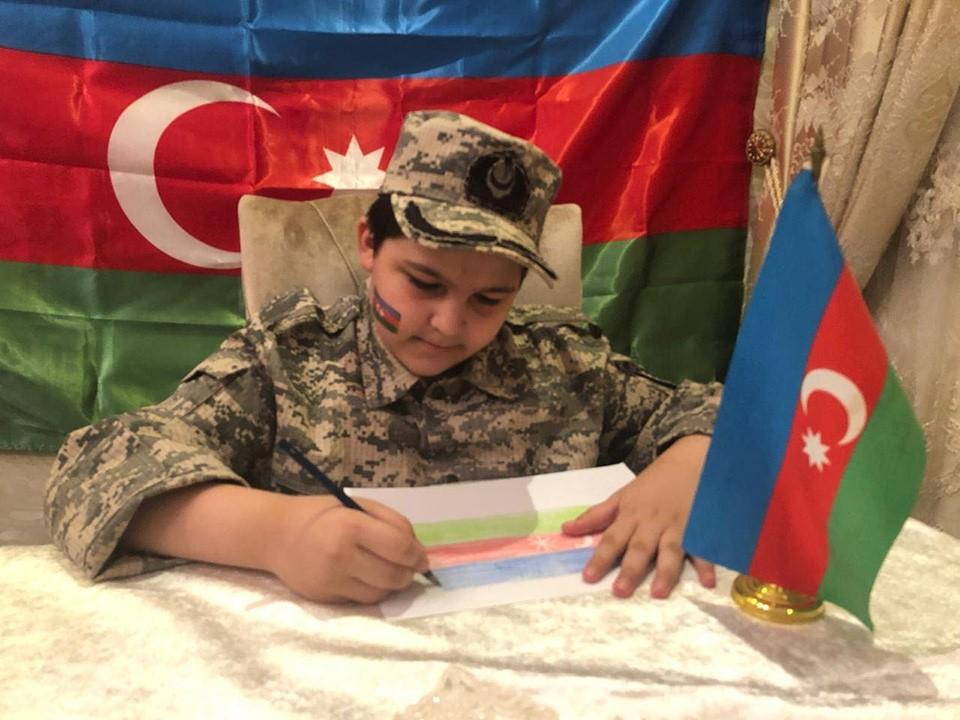Paytaxt məktəblilərindən Azərbaycan Ordusuna dəstək aksiyaları