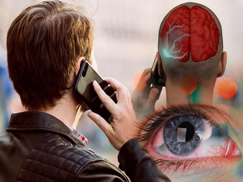 Alimlər telefon və kompüterin ölümcül təsirini açıqladı -