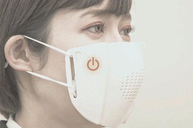 Yaponlar tərcüməçi-maska hazırladılar