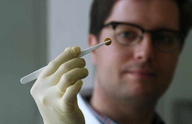 Qonşu ölkədə koronavirusa qarşı preparatlar apteklərə veriləcək