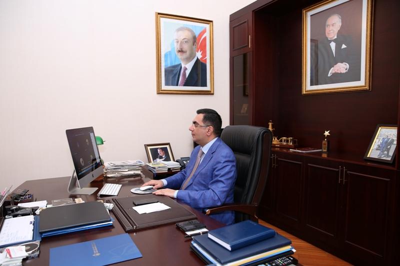 Elmar Qasımov MBA proqramı üzrə BANM-ə qəbul olan tələbələrlə görüşüb